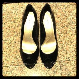 Tahari black heels open toe 9.5